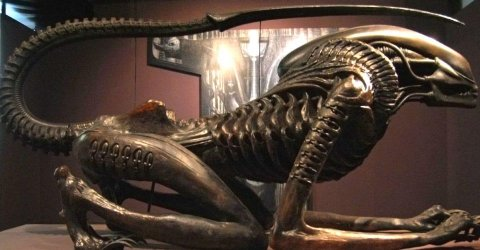 HR-Giger-Alien-3-Xenomorph-Design-.jpg