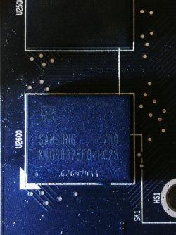 sapphire rx580 pulse 8gb - memory chip.jpg