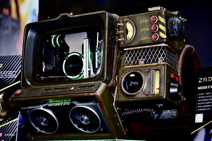 PIP BOY 2000 N-Z | TechPowerUp Case Modding Gallery