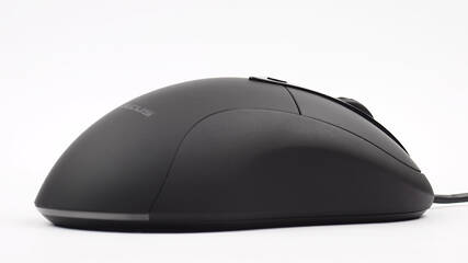 2e4a78bfb76 There are some major differences between the REVEL Fit and Logitech MX500  series, but as for the form factor itself, they are vastly similar.
