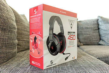 368d81b7cd8 The Turtle Beach Stealth 450 comes in a nice cardboard box mostly painted  white, black, and red, with the latter two colors also being the only ones  used on ...
